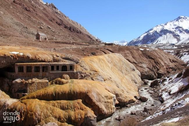 Puente del Inca con nieve