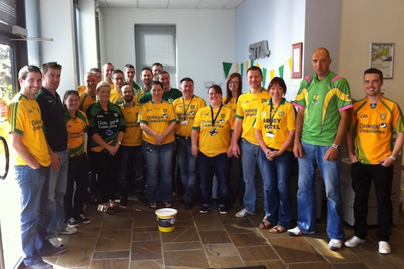 """Members of the SITA team who held a """"Jersey Day"""" on Friday 12th September to raise funds for the Mammy I Want To Walk campaign. The SITA team raised a total of €934.50."""