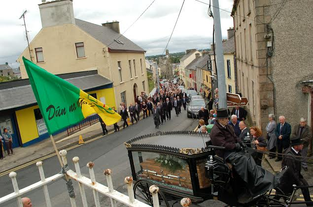 The cortege turns  off Main St. Ballyshannon towards St. Anne's  Church