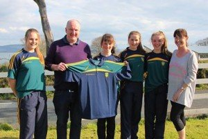 Adrian & Joanna McClenaghan from the MFV Northern Celt presented the new t-shirts & polo shirts to some members of the squad