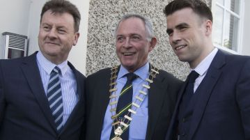 Seamus Coleman with Donegal County CEO Seamus Neely and County Comhairlaith Cllr Terence Slowey,  at the civic reception in his honour at Donegal County Council headquarters.  (North west Newspix)