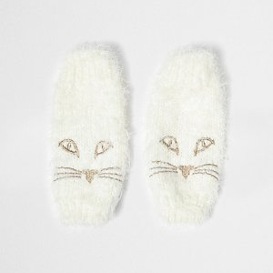 River Island Cream fluffy knit cat face handwarmers €17.00
