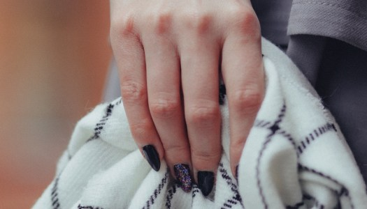 Glitzy nail ideas for busy party people