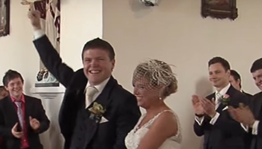 This wedding singer puts other grooms to shame