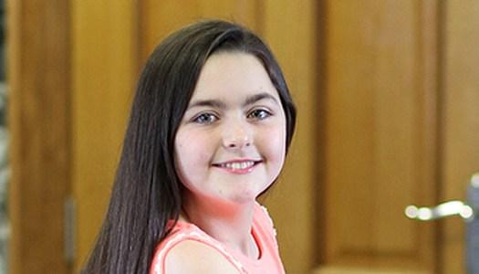 Cancer survivor Erin donates ponytails to help others