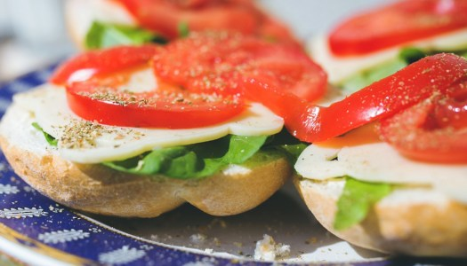 Let's lunch: 40 nutritious and delicious ideas