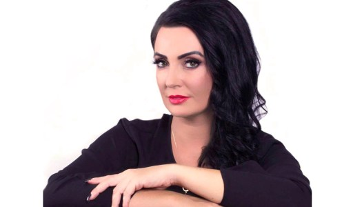 Lynda Loves Makeup: SOS – help is on the way!