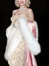 Photo of 4 ملابس عشقتها مارلين مونرو جعلتها أيقونة موضة في ذاك العصر!