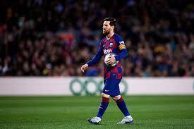 Photo of ميسي يقود برشلونة ويتقدم بثلاثية على إلتشي في الدوري الإسباني