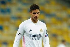 ريال مدريد يعلن إصابة لاعبه فاران بكورونا