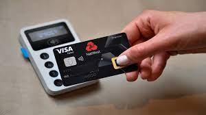 تحذيرات من نقص البطاقات المصرفية في العالم .. ما السبب ؟