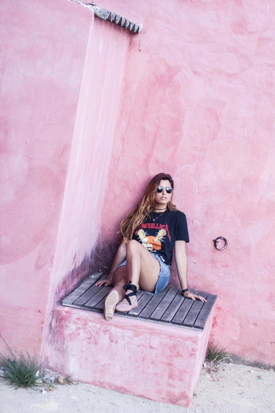 band_tee_metallica_denim_skirt_rocker_ballerinas_uva_do_monte_comporta_portugal-30