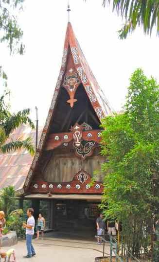 sumatran-longhouse-tiger-trail-safari-park