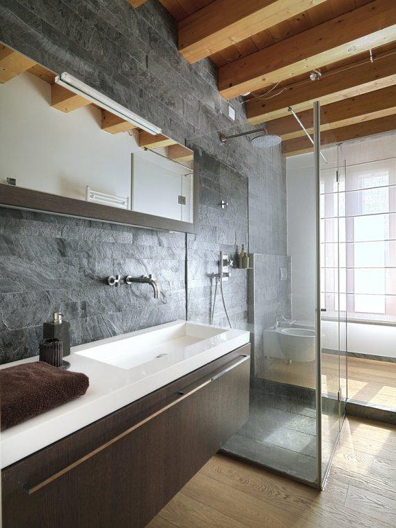 Ristrutturare i servizi igienici e ricavare un secondo bagno da un vecchio ripostiglio  DonnaD