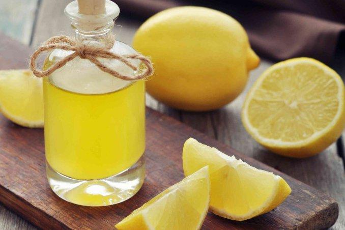 Olio Essenziale Di Limone Fatto In Casa Donnad