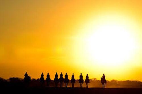 riders-sunset