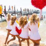 cheerleader-in-spiaggia-con-collant-carne-16
