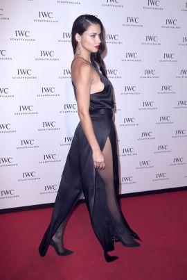 Adriana Lima in collant e tacchi a spillo 10
