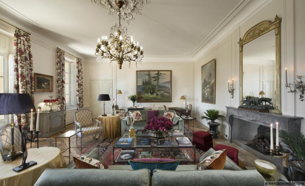 One of the many sitting rooms