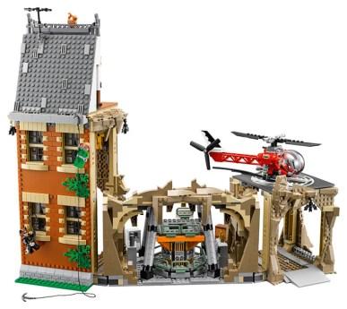LEGO batcave 02