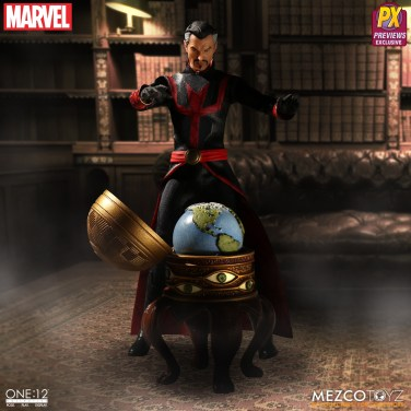Mezco Defenders Doctor Strange 05
