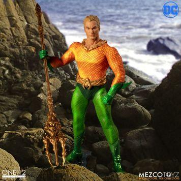 Mezco-JL-Aquaman-03
