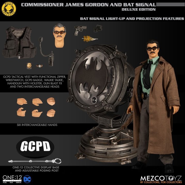 Mezco_One_12_Collective_Commissioner_Gordon_01