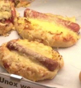 hotdog pizza small