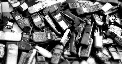 Használt mobiltelefonok és e-kütyük gyűjtésére buzdítja az iskolákat a Telenor