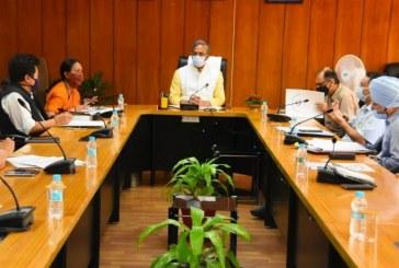 कोविड-19 के दृष्टिगत प्रदेशवासियों को रोजगार के अवसर बढ़ाने के लिए मुख्यमंत्री ने अधिकारियों के साथ बैठक की