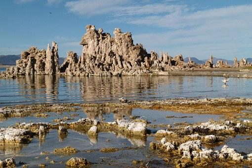 File:Mono-lake-tufa-1981-003.jpg - Wikimedia Commons