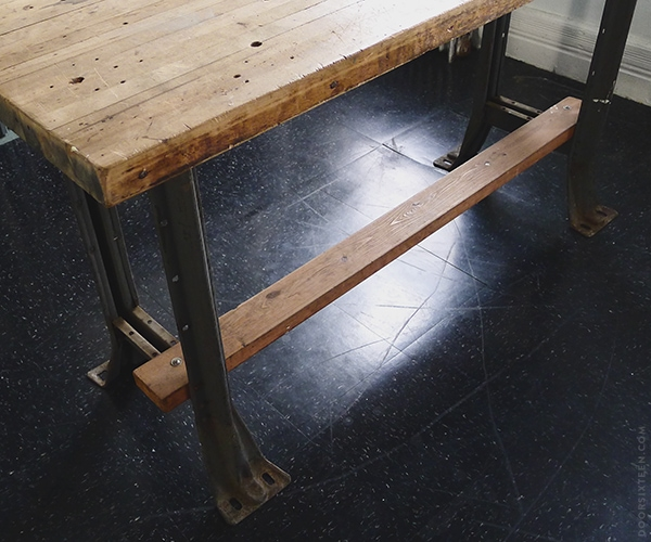 doorsixteen_worktable_leg