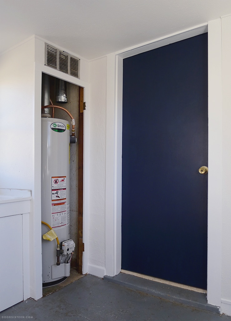 Mudroom makeover - doorsixteen.com