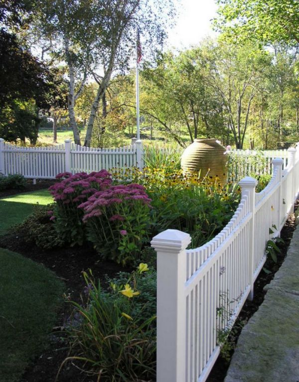 White Picket Fence Landscaping Ideas