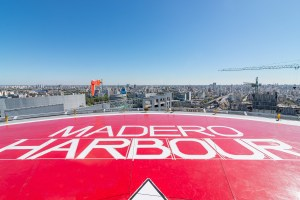 Madero Harbour por Alejandro Ginevra