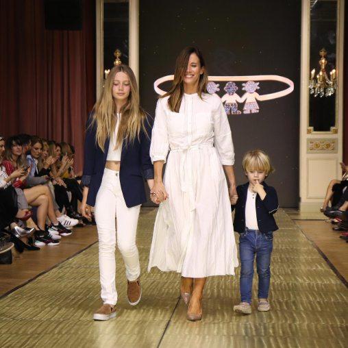 Carolina Prat junto a sus hijos