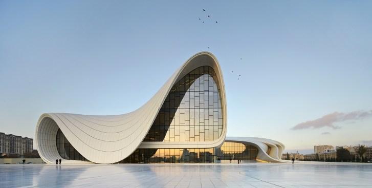 Centro-Cultural-Heydar-Aliyev