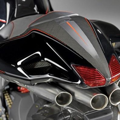 MV Agusta F4CC: ingeniería, diseño y edición de colección