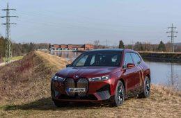 BMW Group fabrica vehículos eléctricos con energía ecológica regional