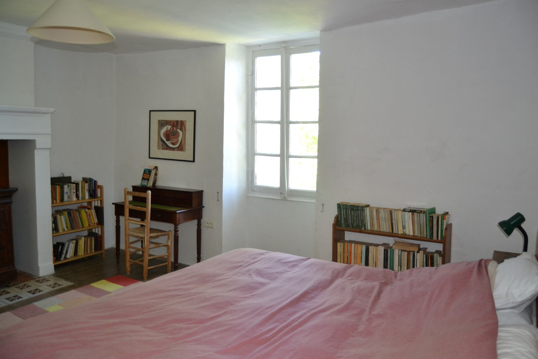 Dordogne.Room