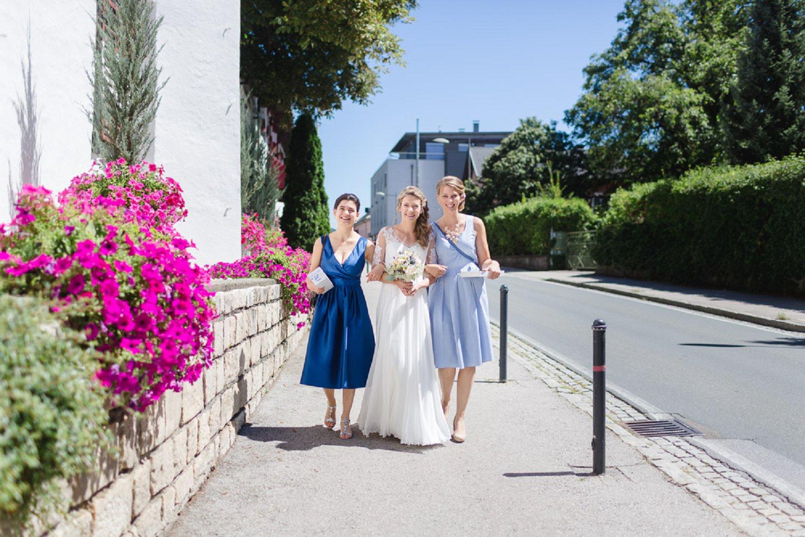 Sommerhochzeit am See  Hochzeitsfotografin aus Wien und