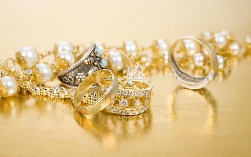 Vieux bijoux à recycler