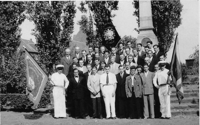 Junggesellenverein 1952 auf dem Rosellenplatz