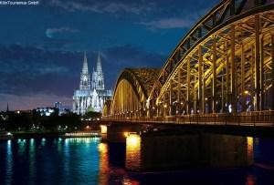 Kölner Dom und Hohenzollernbrücke Bild-Nr.0122.0494 BildeignerKölnTourismus GmbH Auflösung300 dpi / 300 dpi Größe29x20cm / 29x20cm StichwörterBrücke Bauwerk Abend Brücken Abendstimmung Bauwerke