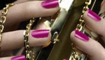 DIY Manicures: UV Lamps and Bio gels