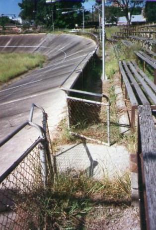 velodrome-gate