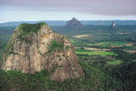 003953 Glass House Mountains View to Glass House Mountains