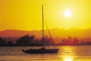 004525 Noosa River Pelican Beach