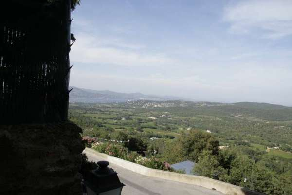 gassin-frankrijk-provence-var-uitzicht-saint-tropez