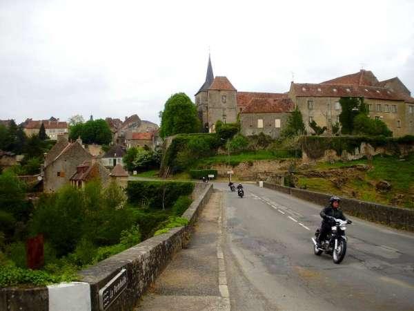 Saint-benoit-du-sault-indre-centre-plus-beaux-village-brug